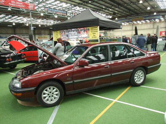 Senator B on club stand at classic car show in Dunedin, NZ with Manta A and a Calibra